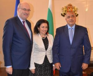 Еврокомисар Фил Хоган и министър Десислава Танева и Бойко Борисов