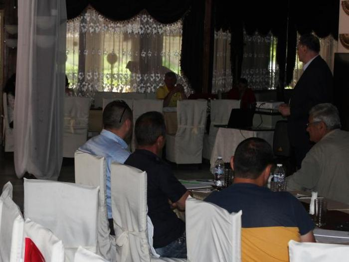 На техническа среща в гр. Айтос земеделски производители от региона поучиха актуална информация за сортовете пшеница на Фирмата