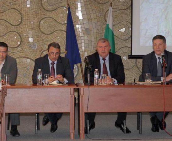 Министър Греков обеща да се търсят начини за разрешаването на проблемите в растителната защита