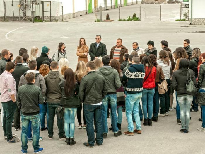 Повече от 50 студенти бяха топло посрещнати от професионалистите във фирма Агроном